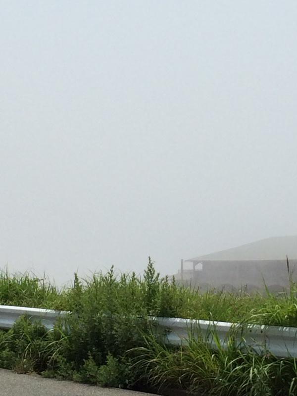 霞む明石海峡