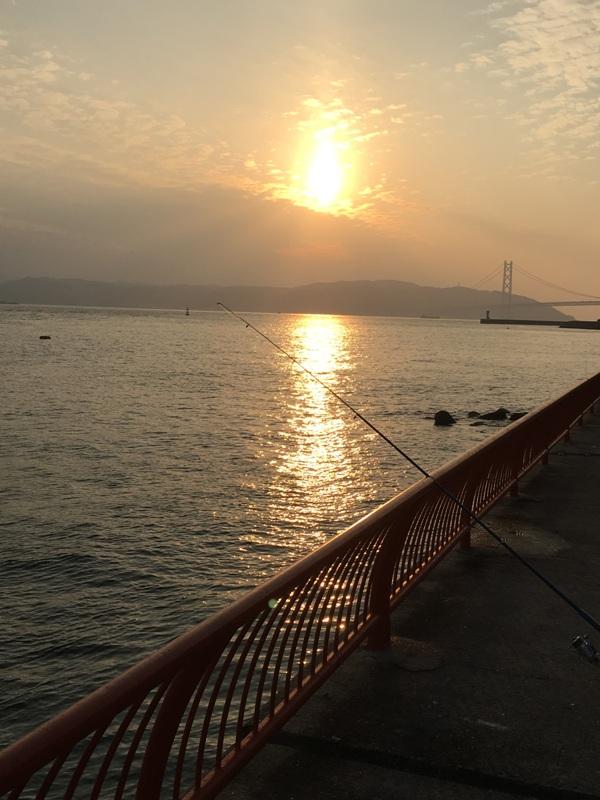 つりざおと夕陽